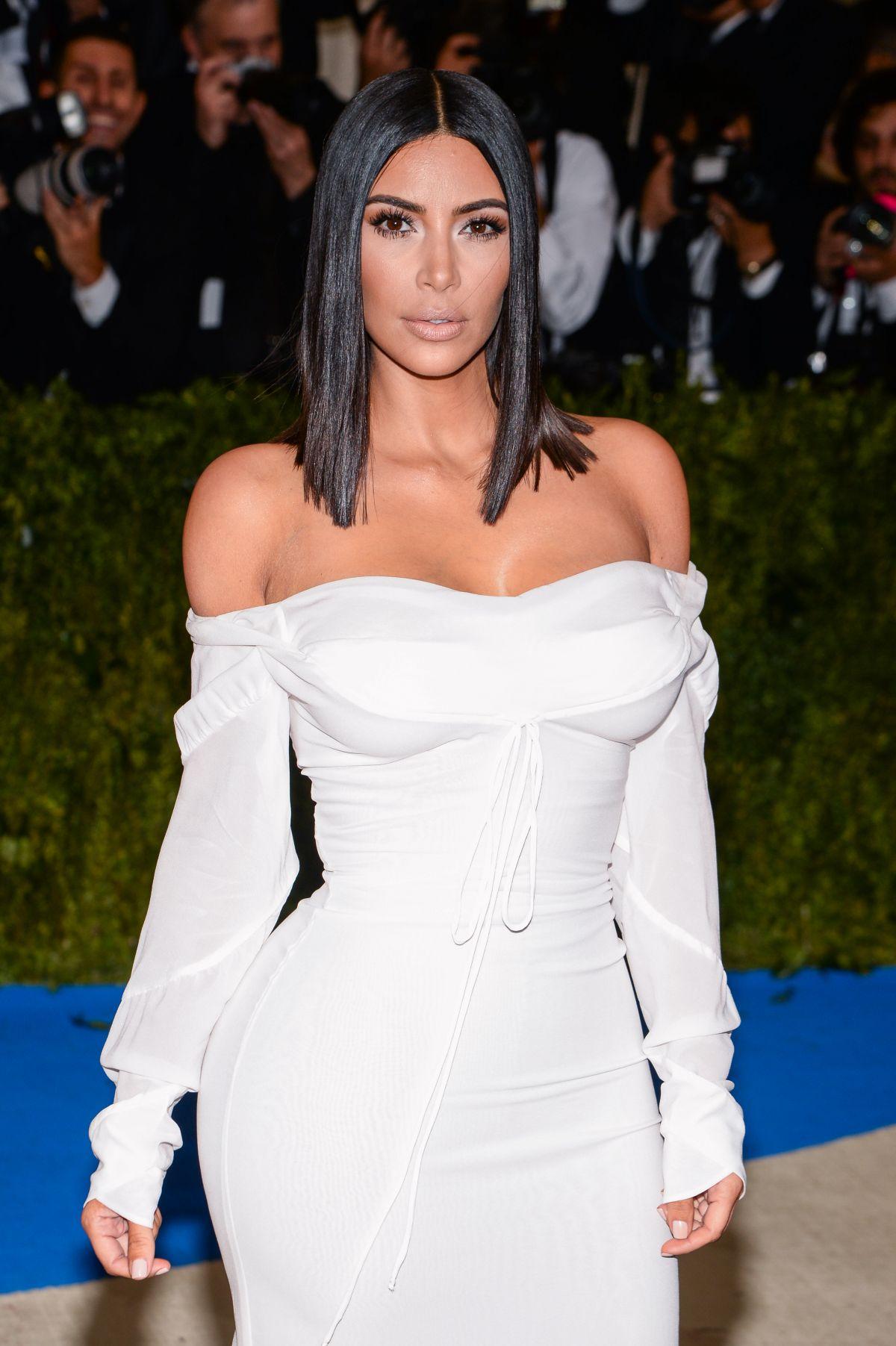 Kim Kardashian At 2017 Met Gala In New York 05 01 2017