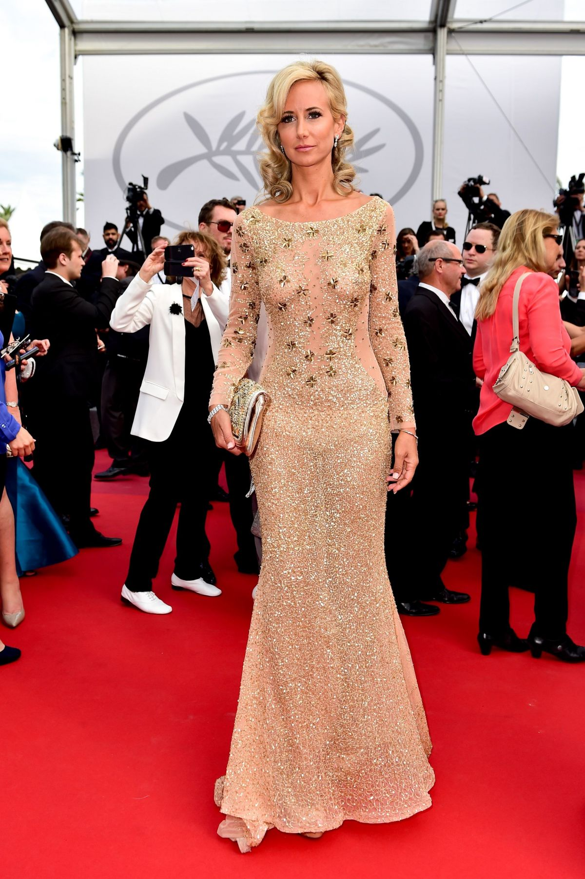 Cannes 2017 Heidi Klum Continues A Cannes Tradition In: LADY VICTORIA HERVEY At Loveless Premiere At 2017 Cannes