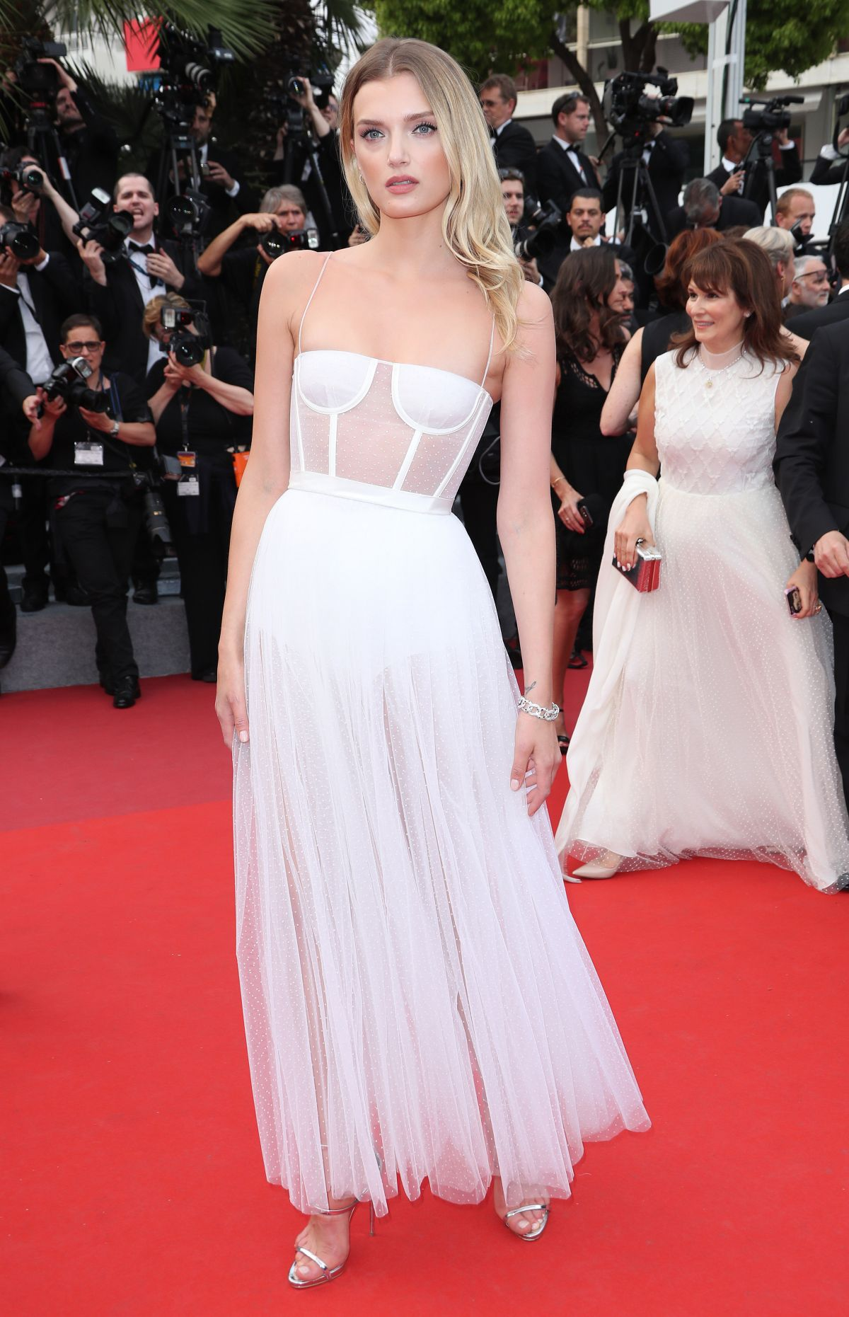 Cannes 2017 Heidi Klum Continues A Cannes Tradition In: LILY DONALDSON At Loveless Premiere At 2017 Cannes Film