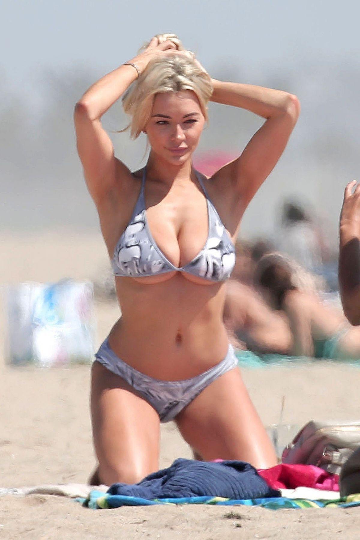 LINDSEY PELAS in Bikini on the Venice Beach 05/03/2017