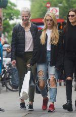 LOTTIE MOSS Shopping on Kings Road in London 05/11/2017