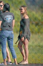 MARGOT ROBBIE Boarding a Helicopter in Hawaii 05/12/2017