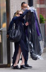 MARY-KATE and ASHLEY OLSEN Leaves Their Offices in New York 05/16/2017