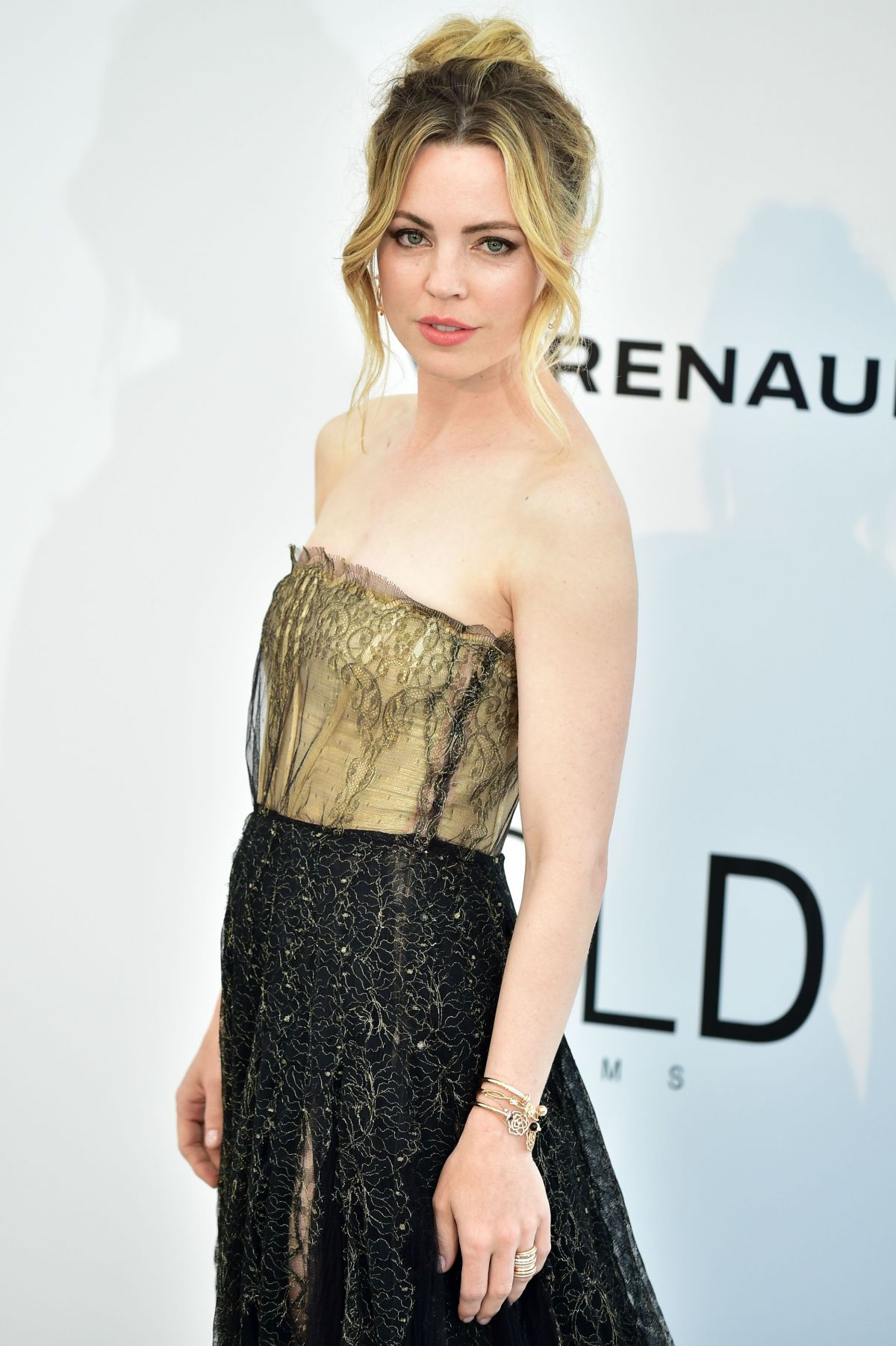 MELISSA GEORGE at Amfar