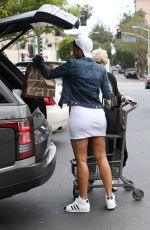 NICOLE MURPHY Shopping for Groceries in Los Angeles 05/09/2017