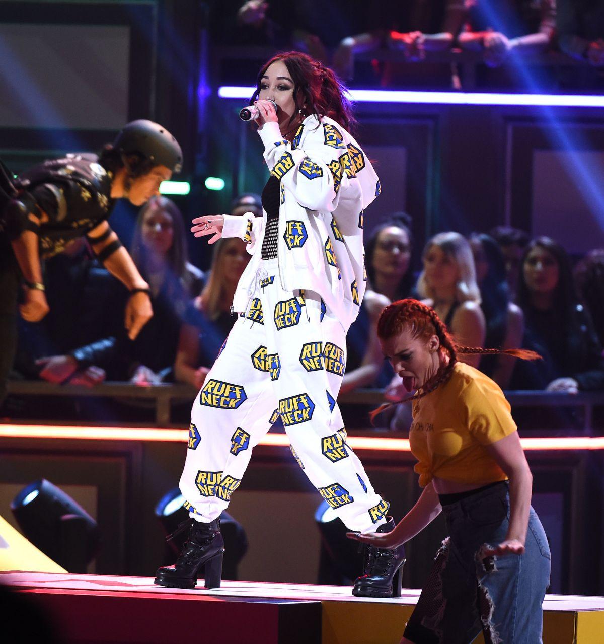 NOAH CYRUS Performs at MTV Movie & TV Awards 2017 in Los ...