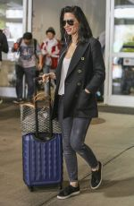 OLIVIA MUNN at Vancouver International Airport 05/01/2017