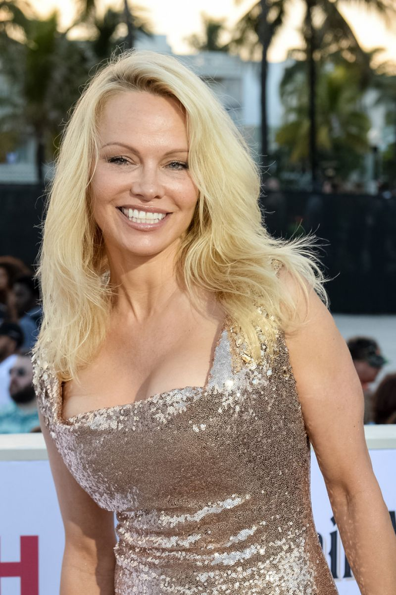 pamela anderson at baywatch premiere in miami 05 13 2017