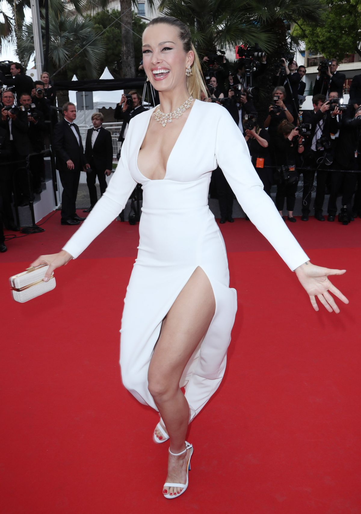 Cannes 2017 Heidi Klum Continues A Cannes Tradition In: PETRA NEMCOVA At Loveless Premiere At 2017 Cannes Film