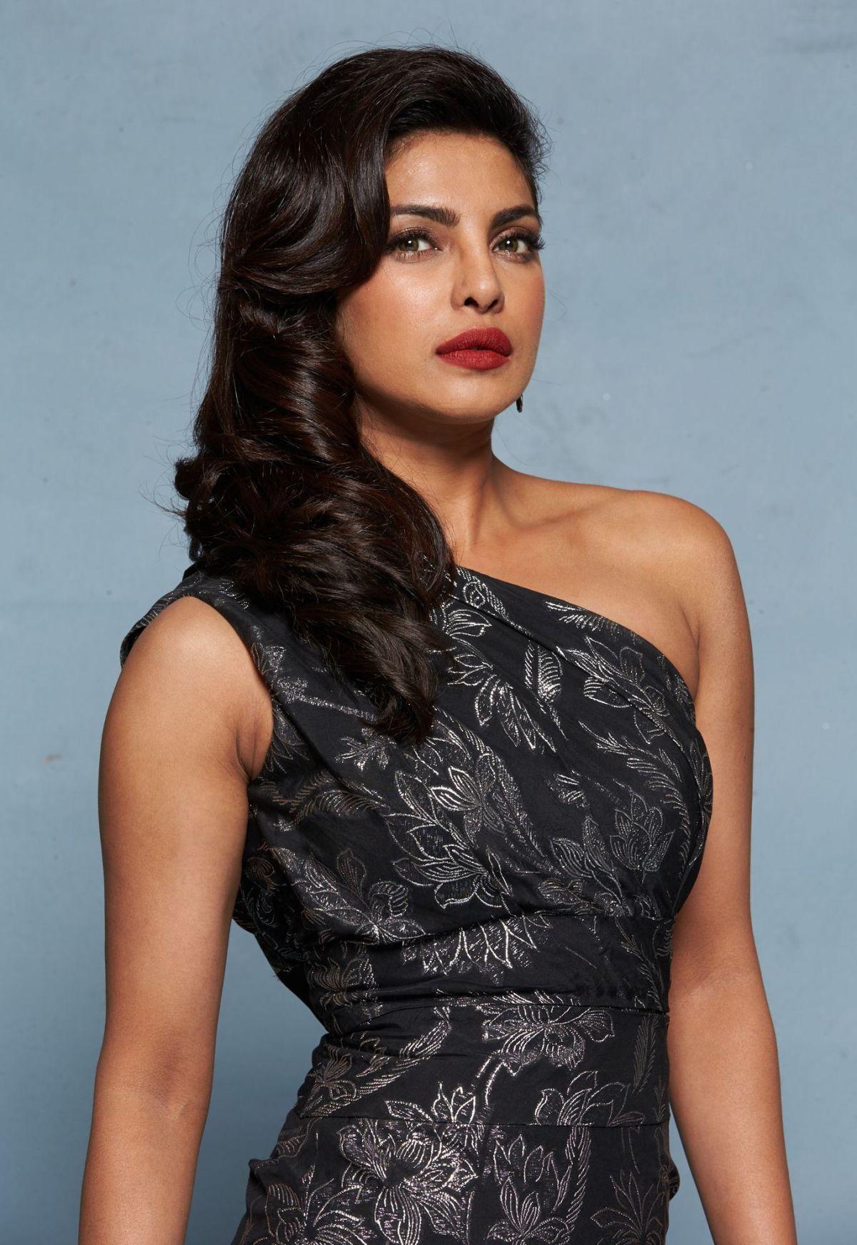 Priyanka Chopra Baywatch Promos Hawtcelebs