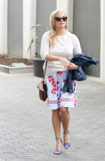 REESE WITHERSPOON Out in Los Angeles 0517/2017