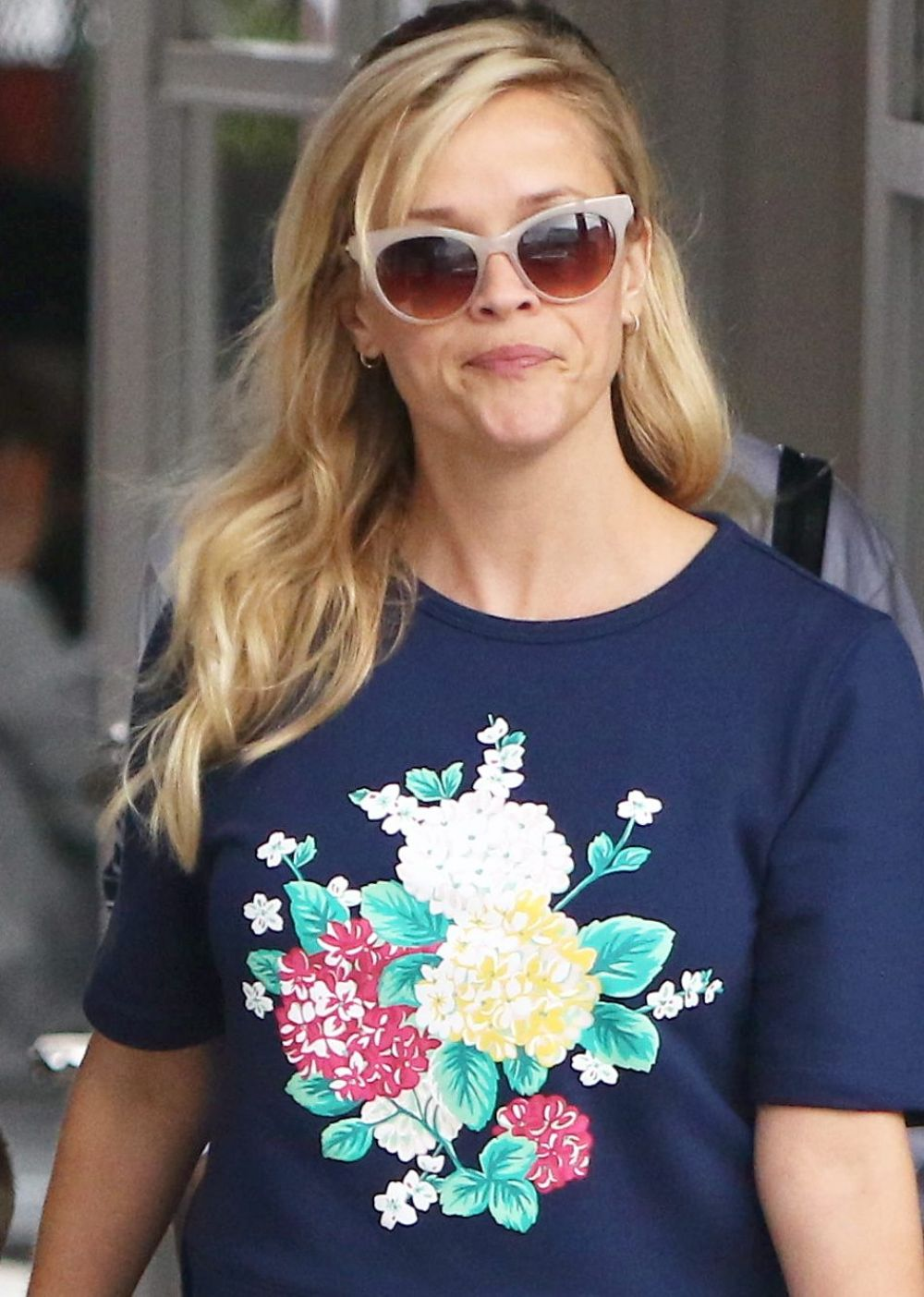 REESE WITHERSPOON Out Shopping in Brentwood 05/08/2017