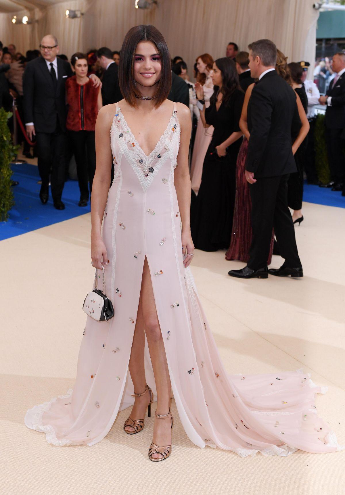SELENA GOMEZ at 2017 MET Gala in New York 05/01/2017