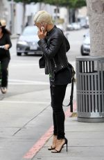 SIBLEY SCOLES Out and About in Beverly Hills 05/25/2017