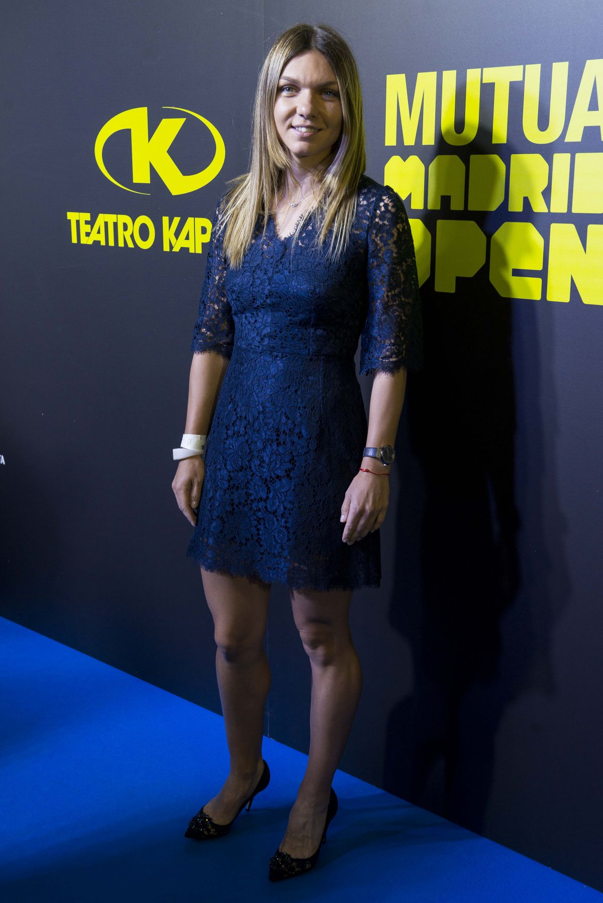Simona Halep - Page 12 Simona-halep-at-mutua-madrid-open-party-in-madrid-05-05-2017_2
