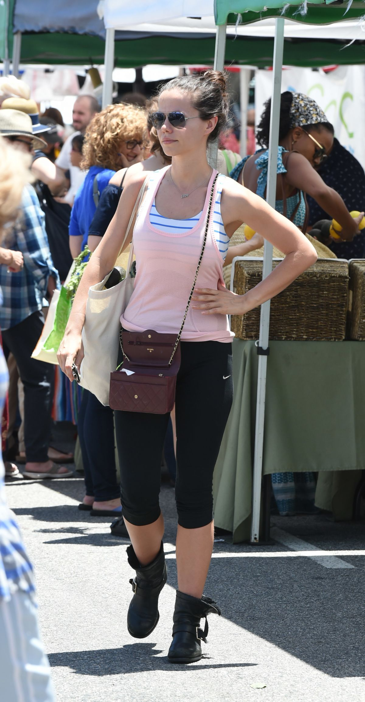 TAMMIN SURSOK Shopping at Farmers Market in Studio City 05/28/2017