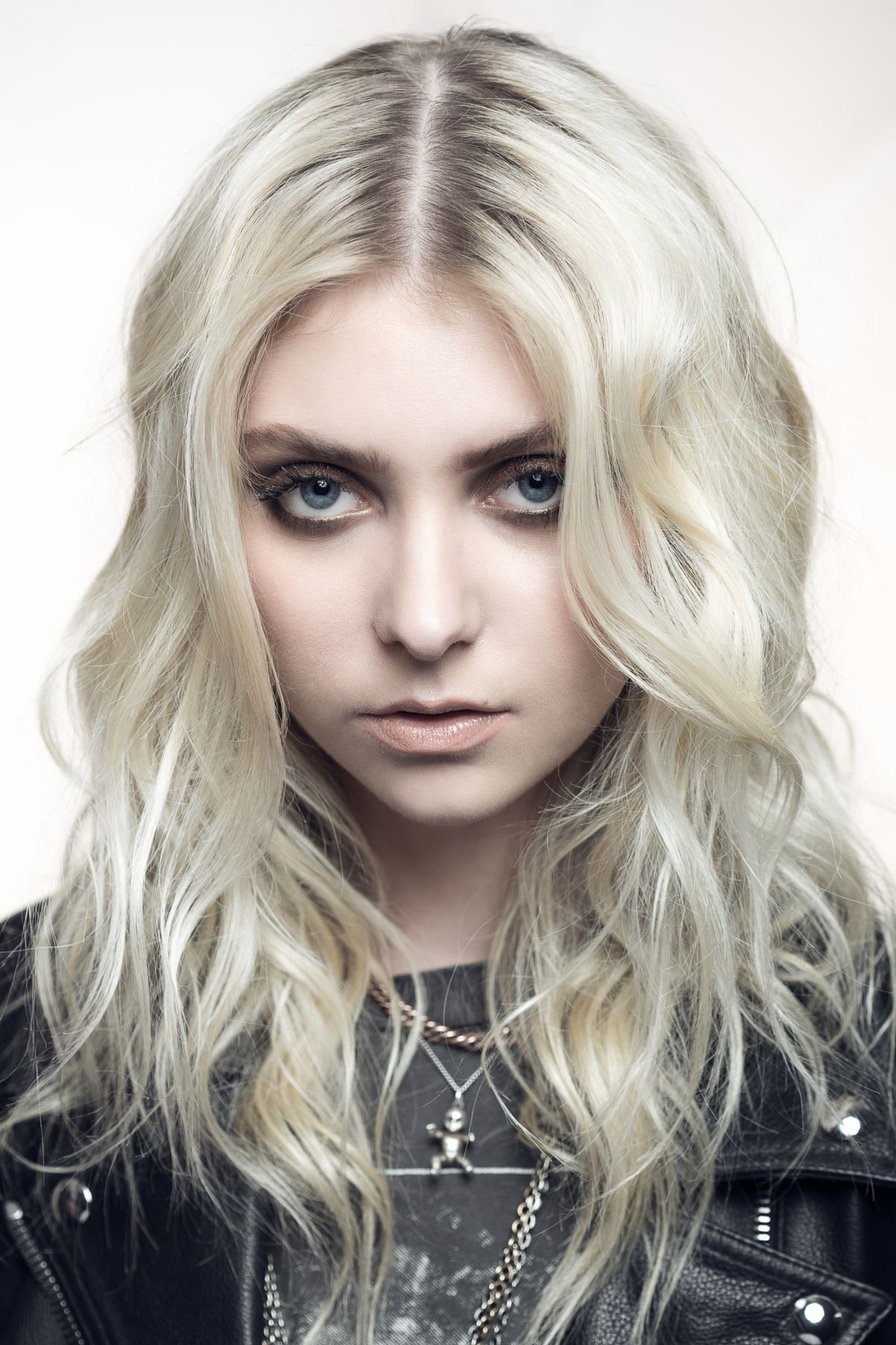 TAYLOR MOMSEN for The ... Taylor Momsen