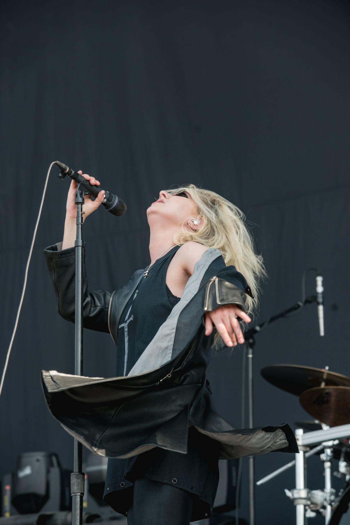 Taylor Momsen Performs At River City Rockfest In San