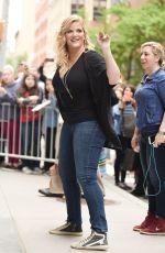 TRISHA YEARWOOD Arrives at AOL Studios in New York 05/23/2017