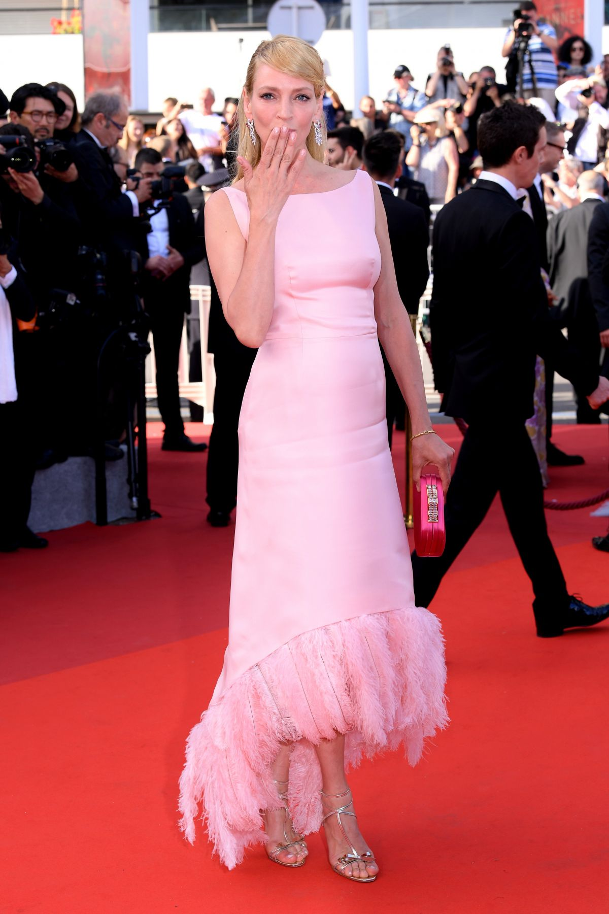 Cannes 2017 Heidi Klum Continues A Cannes Tradition In: UMA THURMAN At Anniversary Soiree At 70th Annual Cannes