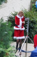 UMA THURMAN in a Santa Suit on the Set War With Grandpa in Atlanta 05/05/2017