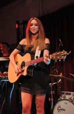 UNA HEALY Performs at a Concert in London 05/15/2017