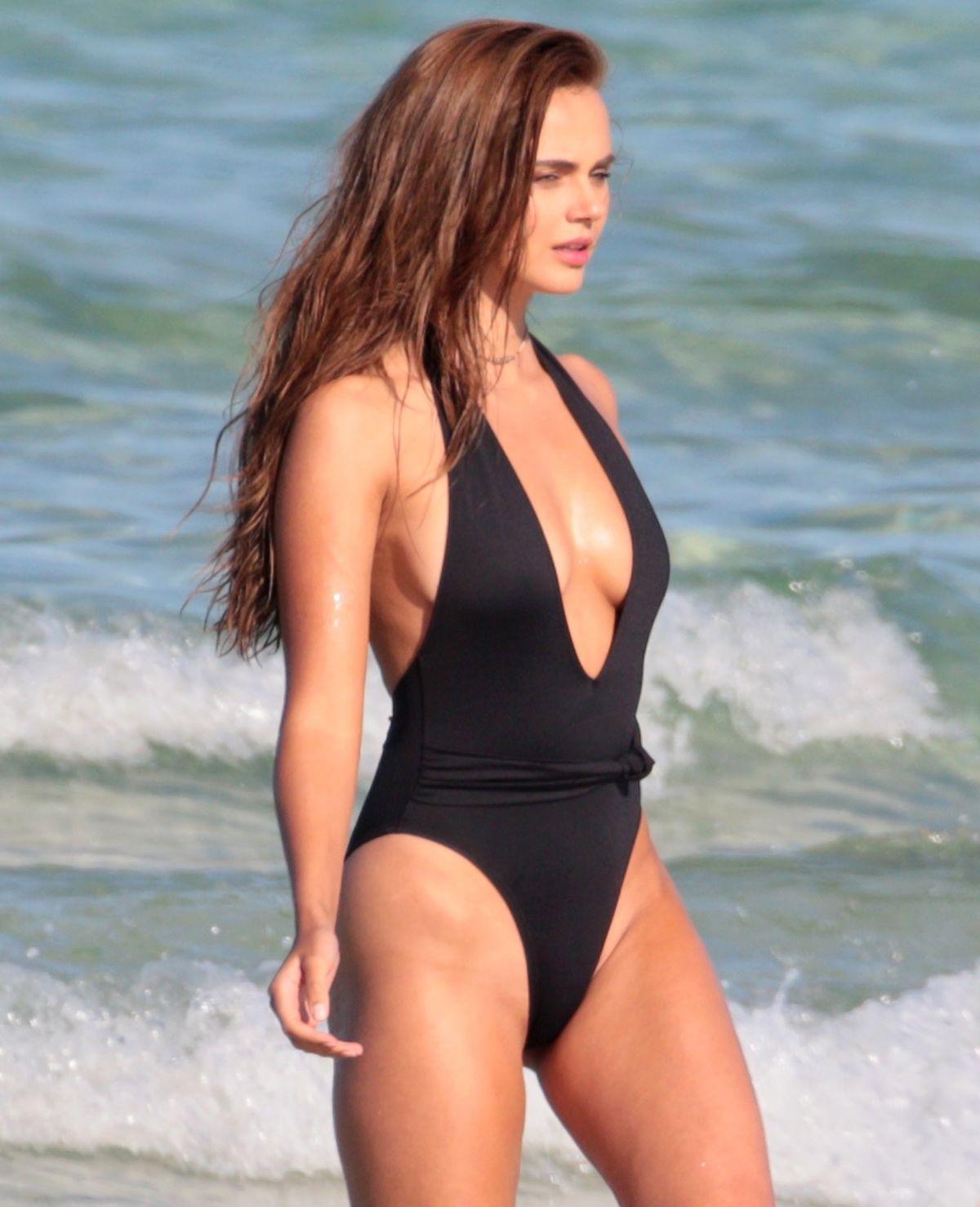 Xenia Deli nudes (28 foto) Gallery, Facebook, legs