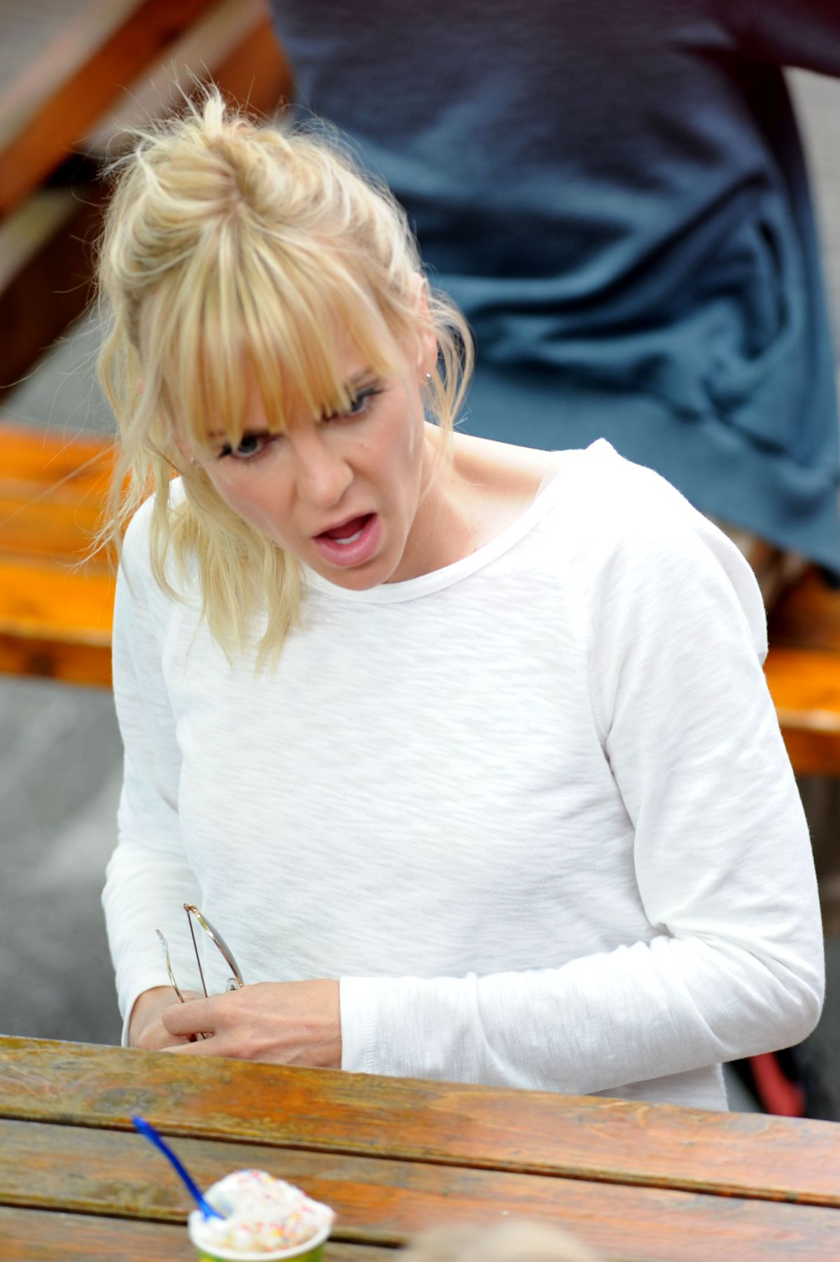 ANNA FARIS on the Set of Overboard in Vancouver 06/12/2017
