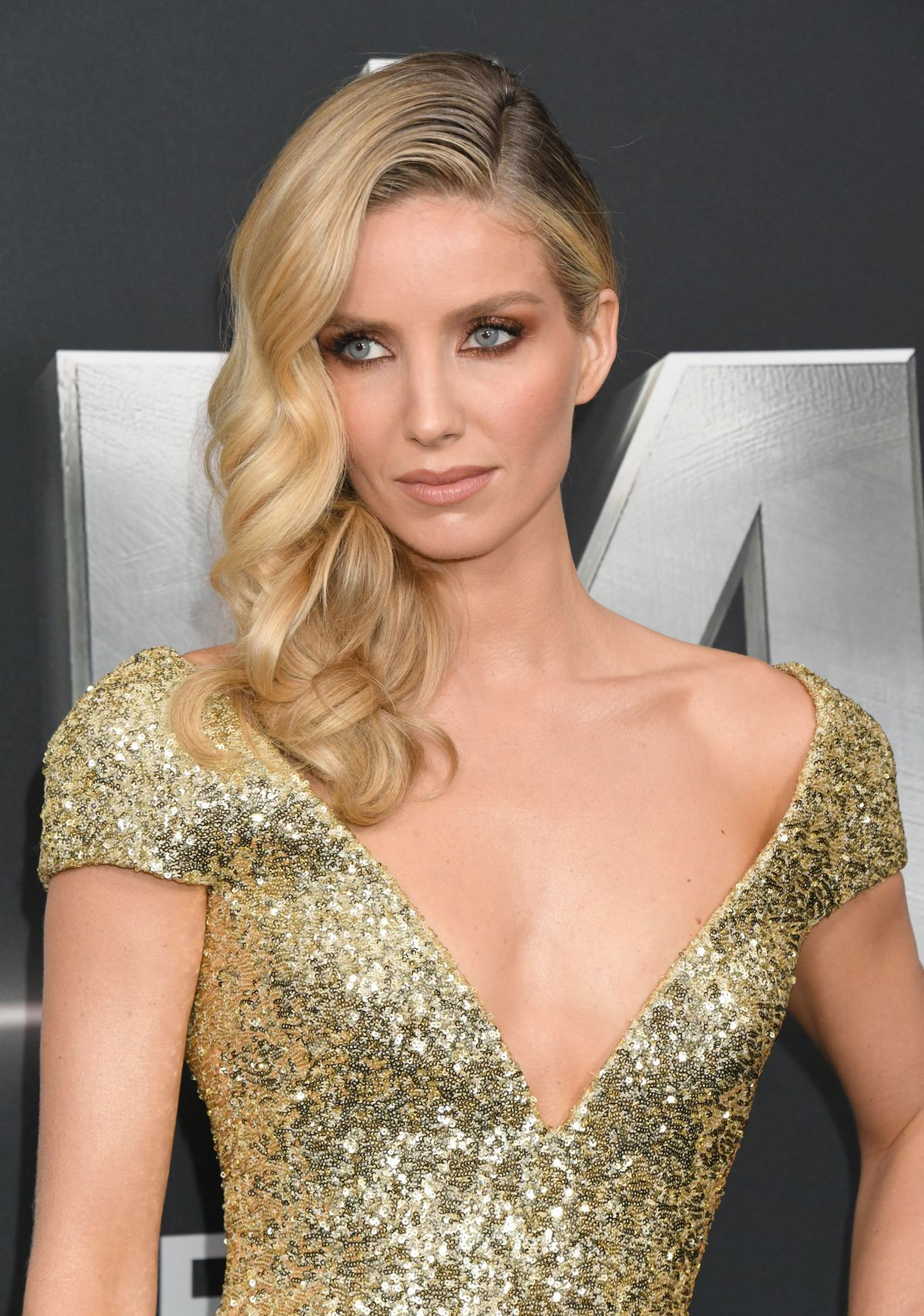 Annabelle Wallis At The Mummy Premiere In New York 06062017