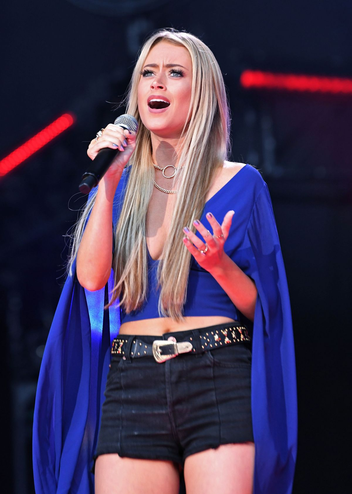 BROOKE EDEN Performs at 2017 CMA Music Festival Nightly Concert in Nashville 06/09/2017