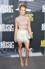 CARRIE UNDERWOOD at 2017 CMT Music Awards in Nashville 06/07/2017