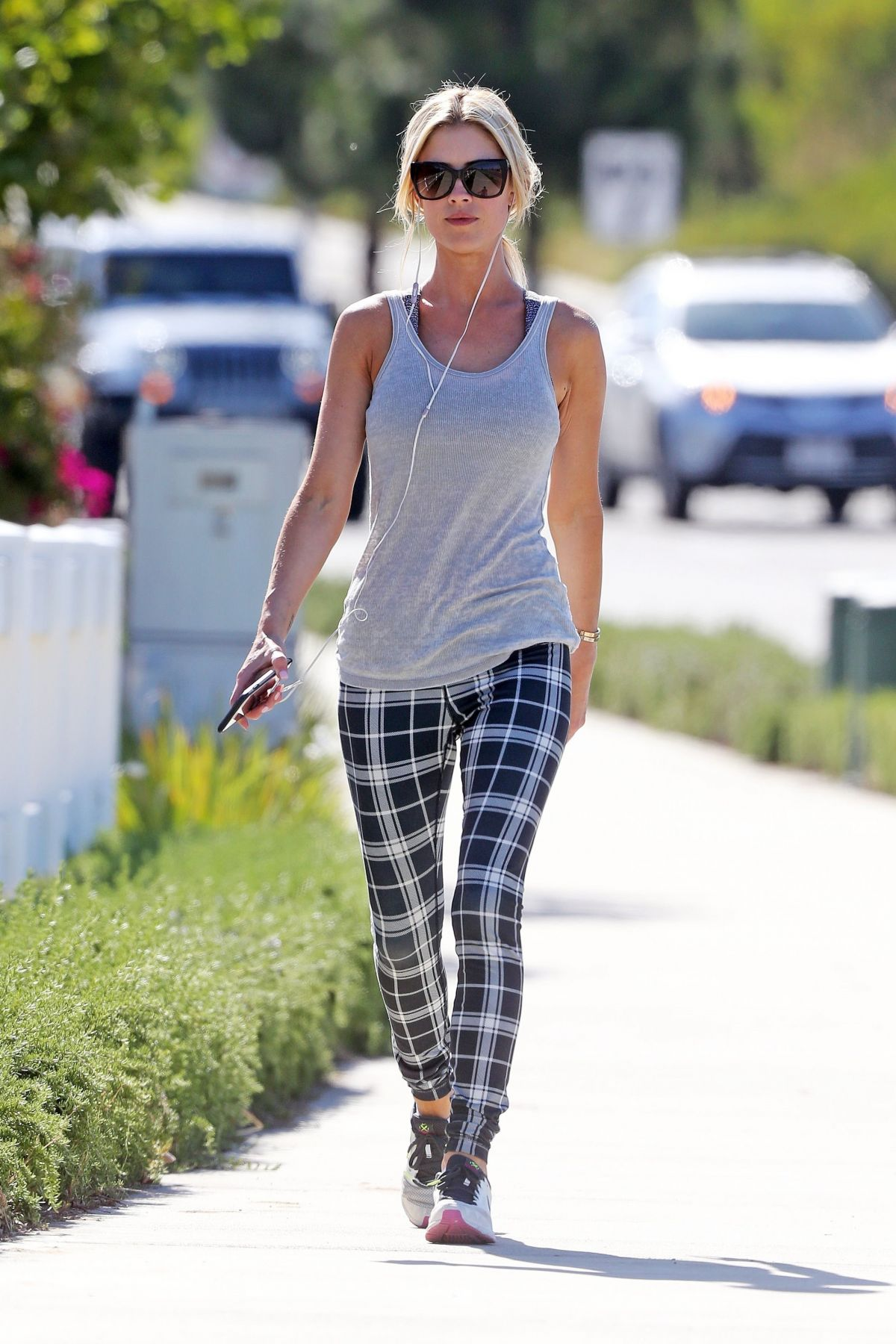 christina el moussa out jogging in orange county 06 13 2017