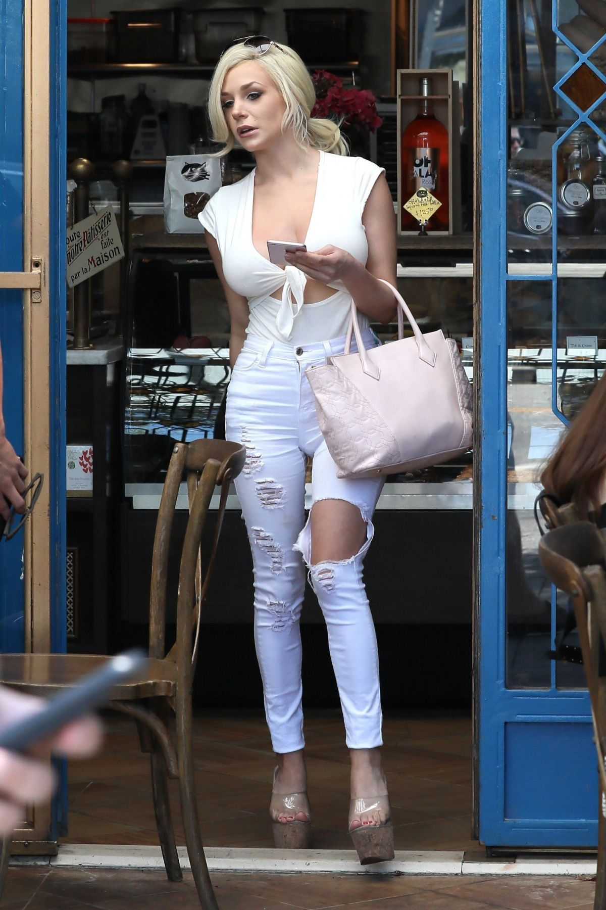 courtney stodden out for lunch at little next door in west