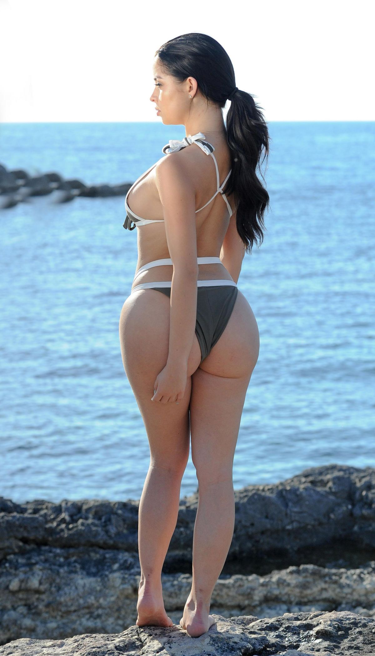 Demi Rose in Pink Bikini at a Beach in Cape Verde Pic 14 of 35