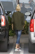 GWEN STEFANI Arrives at a Recording Studio in Hollywood 06/01/2017