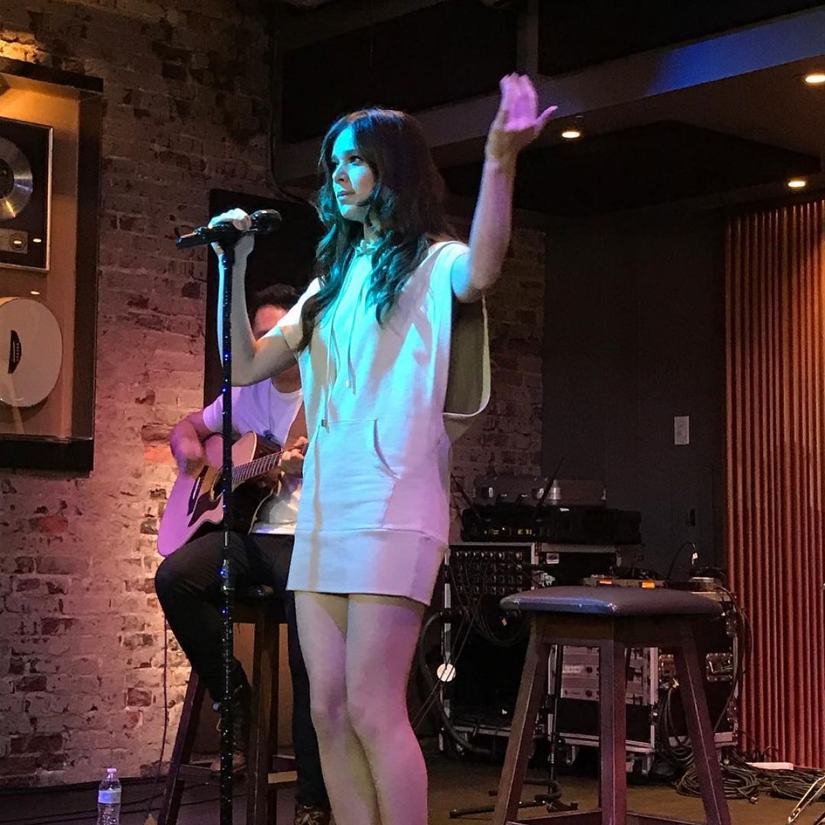 HAILEE STEINFELD Perfirms at Rooftop at Hard Rock Cafe in Nashville 06/22/2017