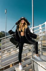 JESSICA LOWNDES - Hoodie Hype Photoshoot