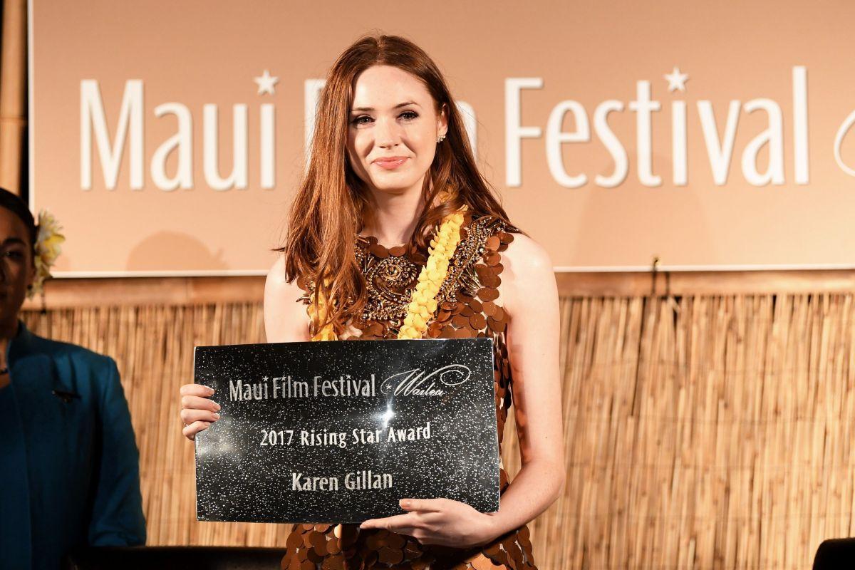 KAREN GILLAN Receives Rising Star Award at Maui Film Festival in Hawaii 06/24/2017