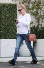KATE HUDSON Leaves a Medical Spa in Brentwood 05/31/2017