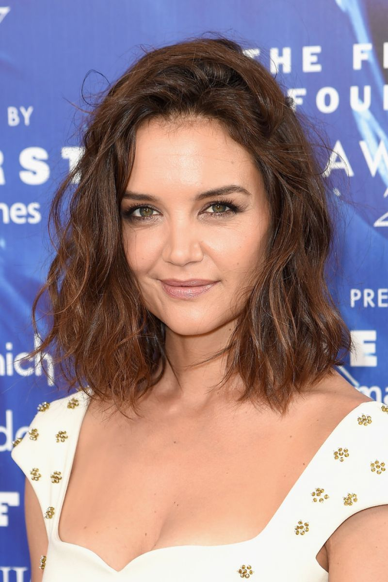 KATIE HOLMES at 2017 Fragrance Foundation Awards in New ... Katie Holmes