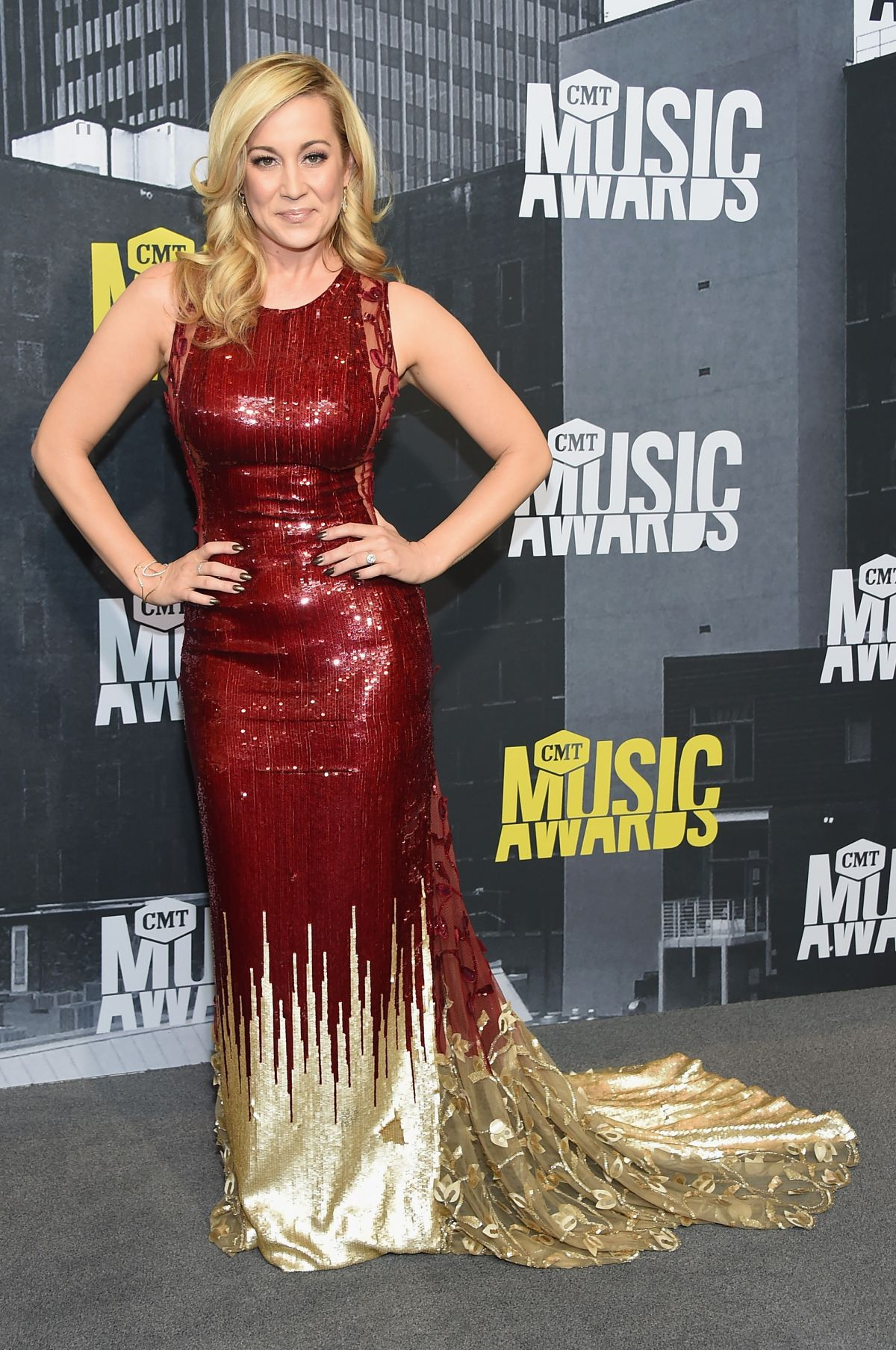 KELLIE PICKLER at 2017 CMT Music Awards in Nashville 06/07/2017