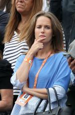 KIM SEARS Watching Her Husband Andy Murray at Roland Garros in Paris 06/03/2017