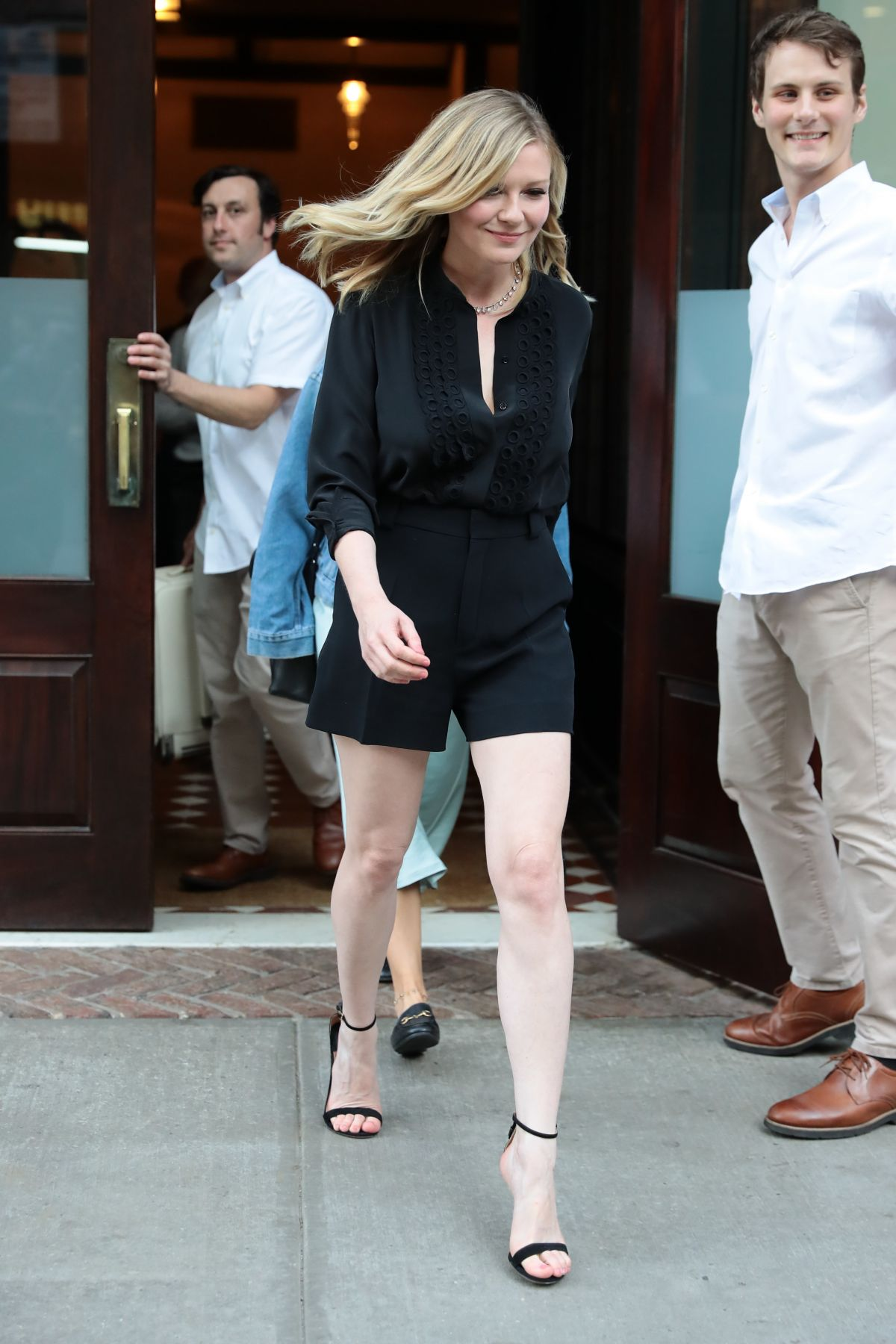Kirsten dunst lleaving her hotel in tribeca ny new picture