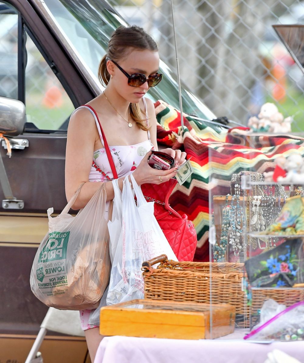 08e66fff056 LILY-ROSE DEPP Out Shopping in Los Angeles 06 11 2017 - HawtCelebs