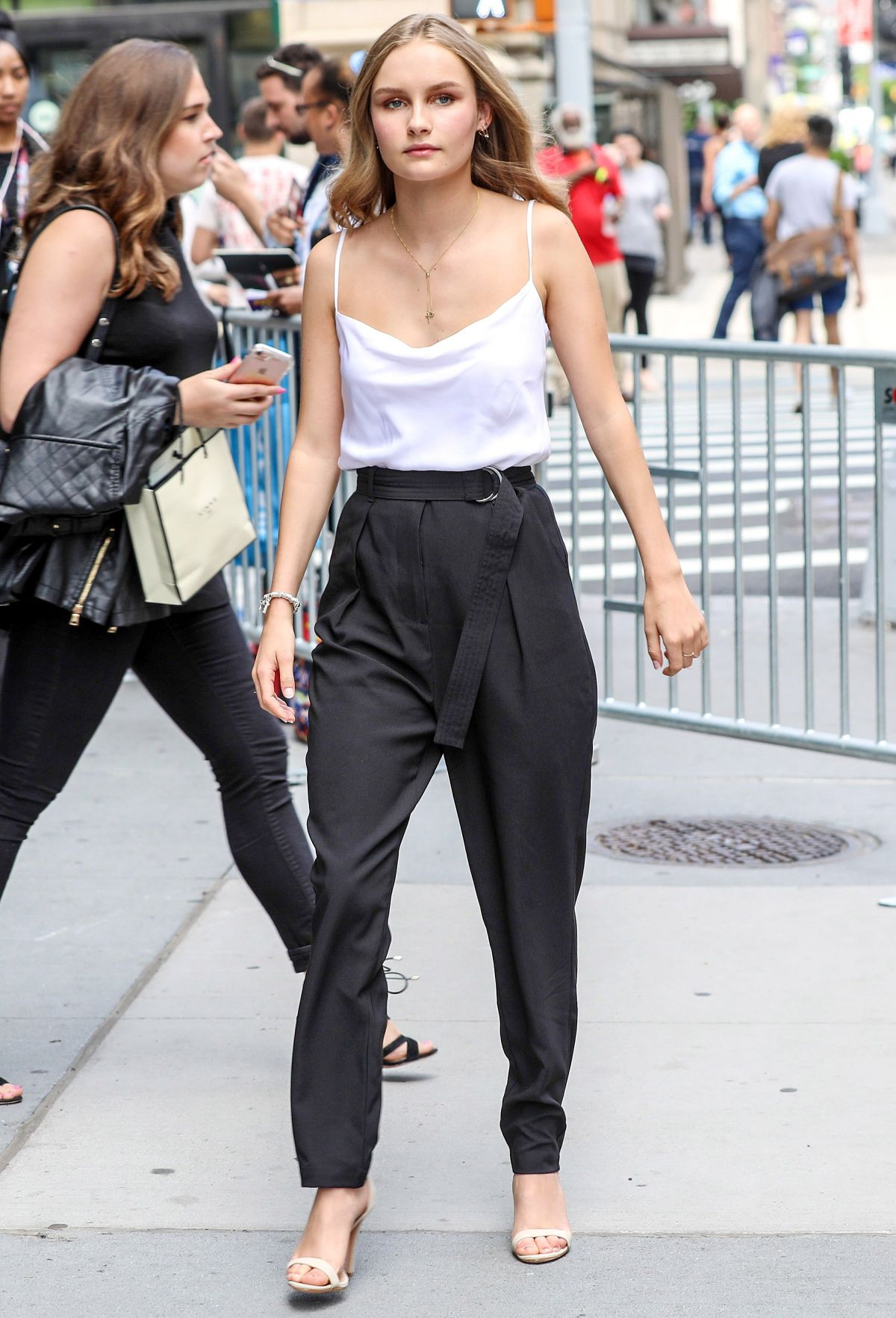 Olivia DeJonge nudes (21 photo), Ass, Leaked, Instagram, butt 2018