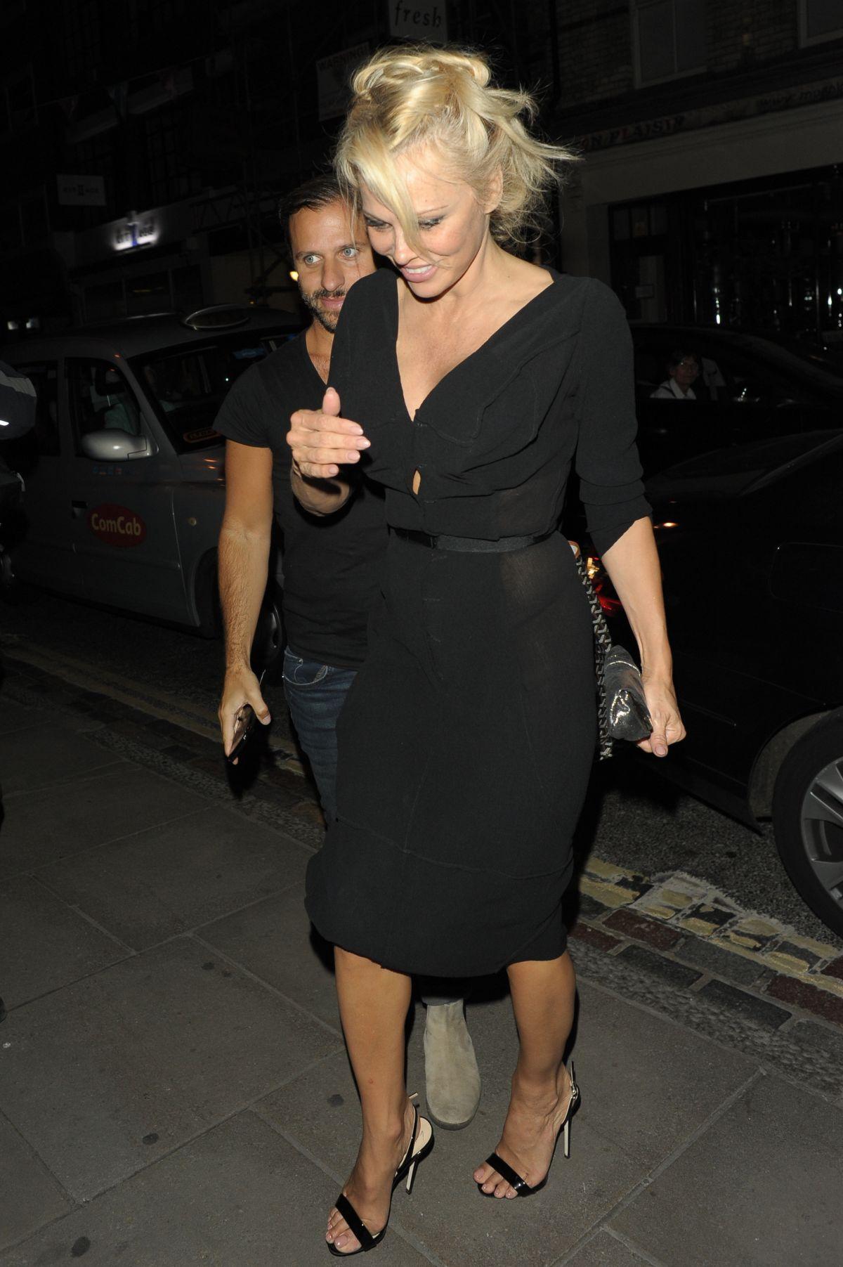 PAMELA ANDERSON Leaves Ivy Restaurant in London 06/16/2017