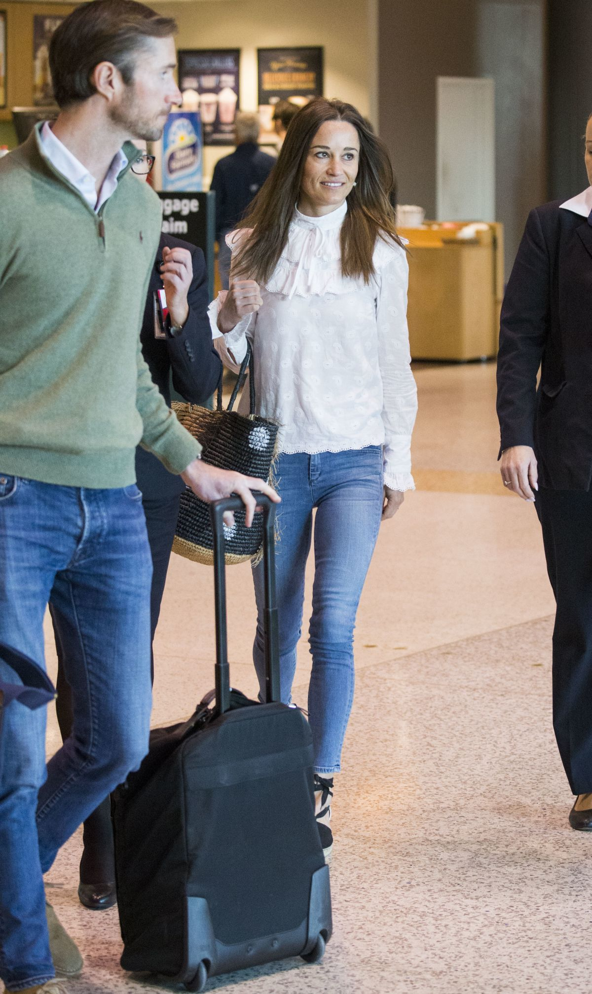 PIPPA MIDLETON and James Matthews Fly In and Out of Darwin in Australia 06/01/2017