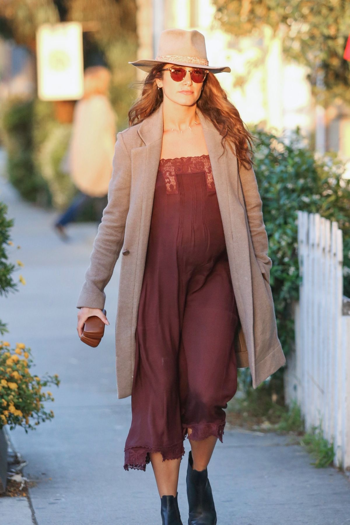 Pregnant Nikki Reed Out And About In Venice 06 08 2017
