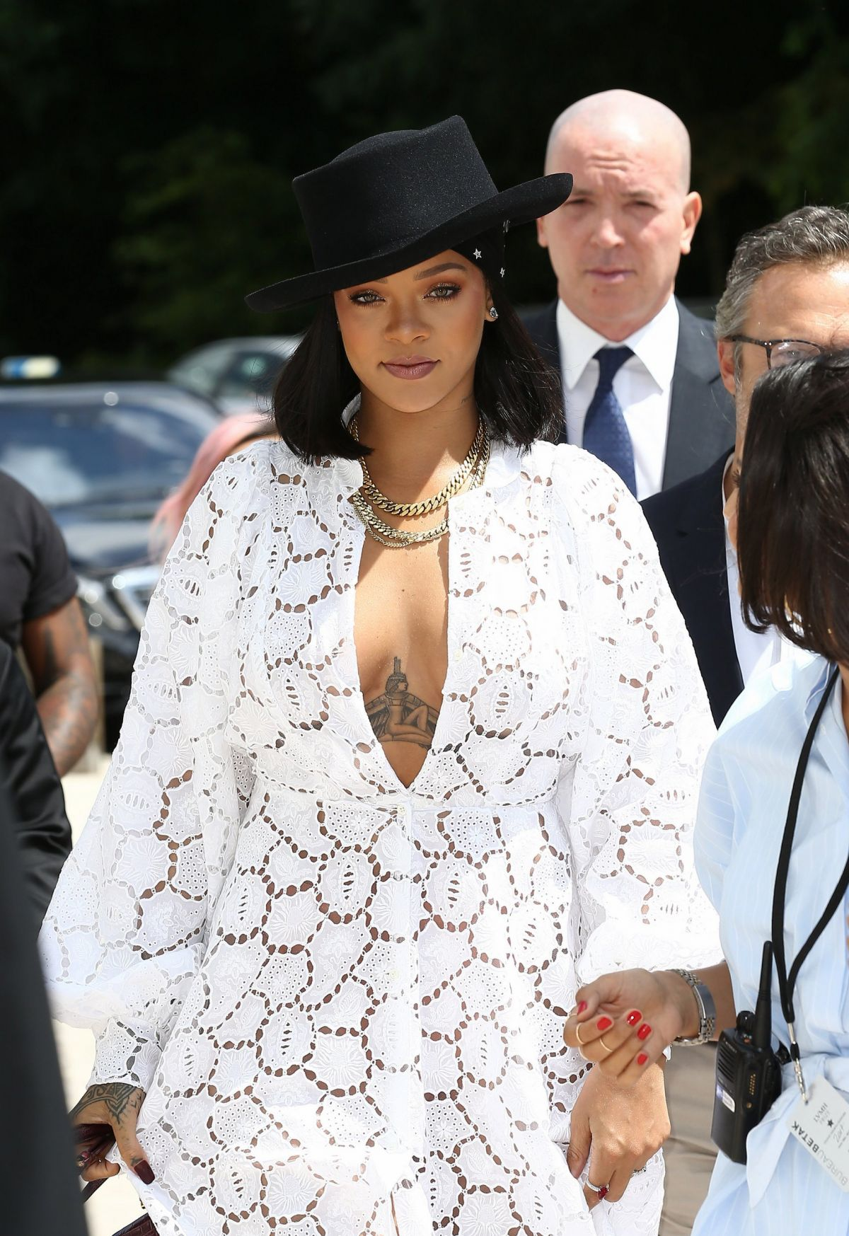 RIHANNA Out and About in Paris 06162017 </p>                     </div>   <!--bof Product URL --> <!--eof Product URL --> <!--bof Quantity Discounts table --> <!--eof Quantity Discounts table --> </div>                        </dd> <dt class=