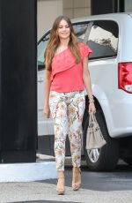 SOFIA VERGARA Shopping at Saks Fifth Avenue in Beverly Hills 06/03/2017